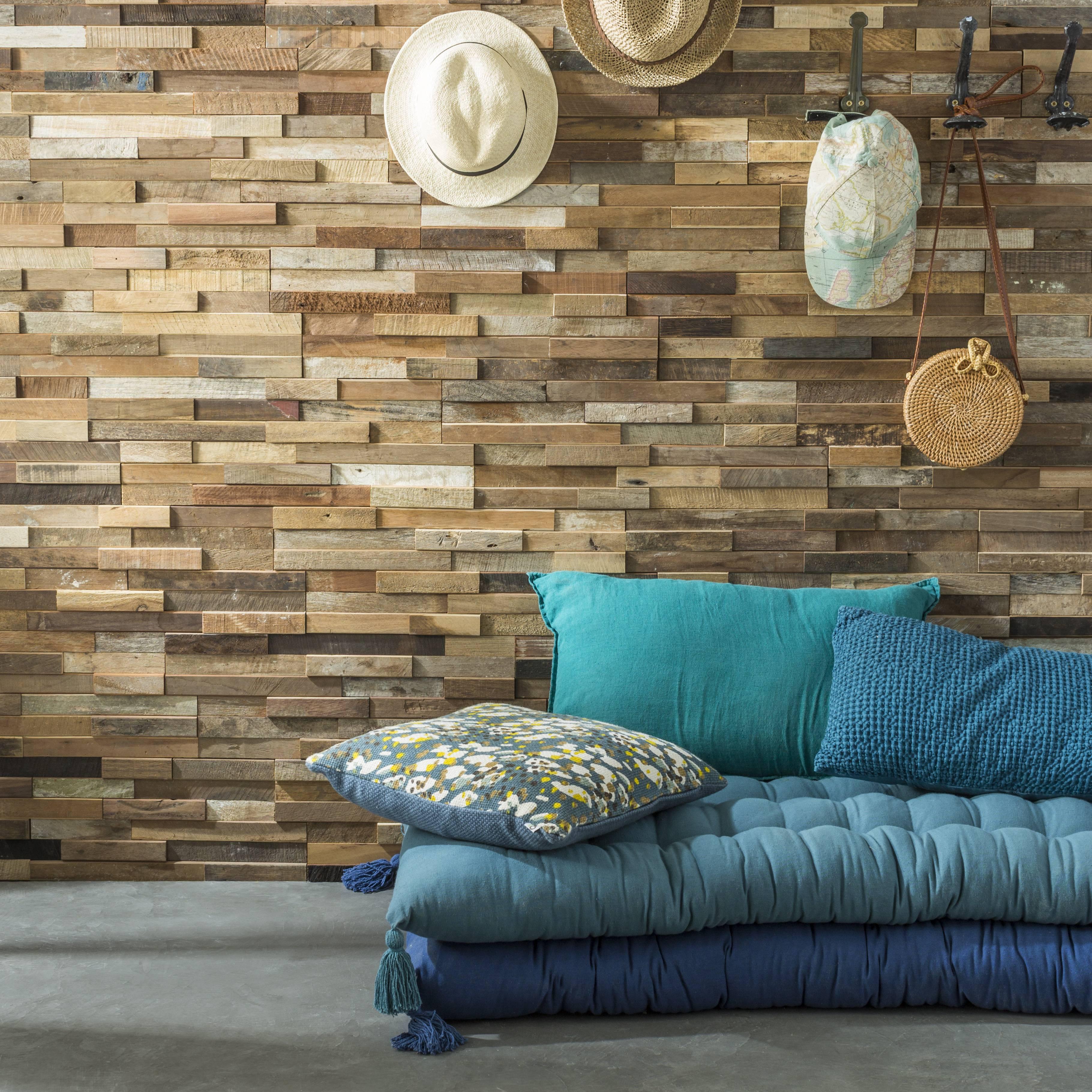 Parement mural en bois de bateau recyclé brut